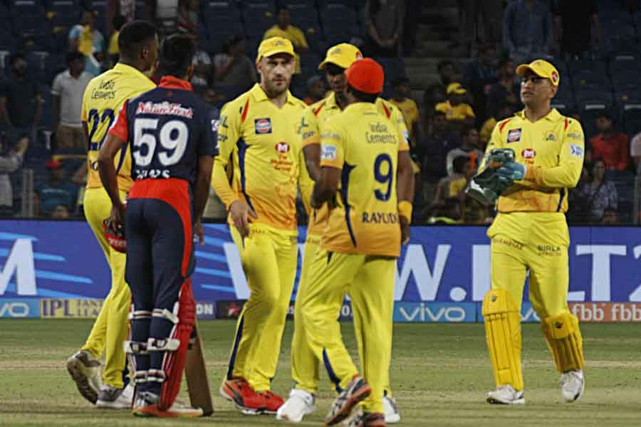 Chennai Super Kings Celebrate Their Win Against Delhi Daredevils During An IPL 2018 Images in Hindi