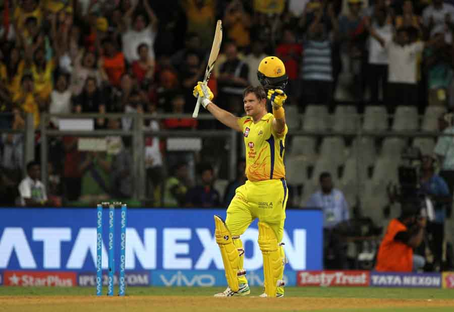 Chennai Super Kingss Shane Watson Celebrates His Century During​ The Final Match Of IPL 2018 Ma in Hindi