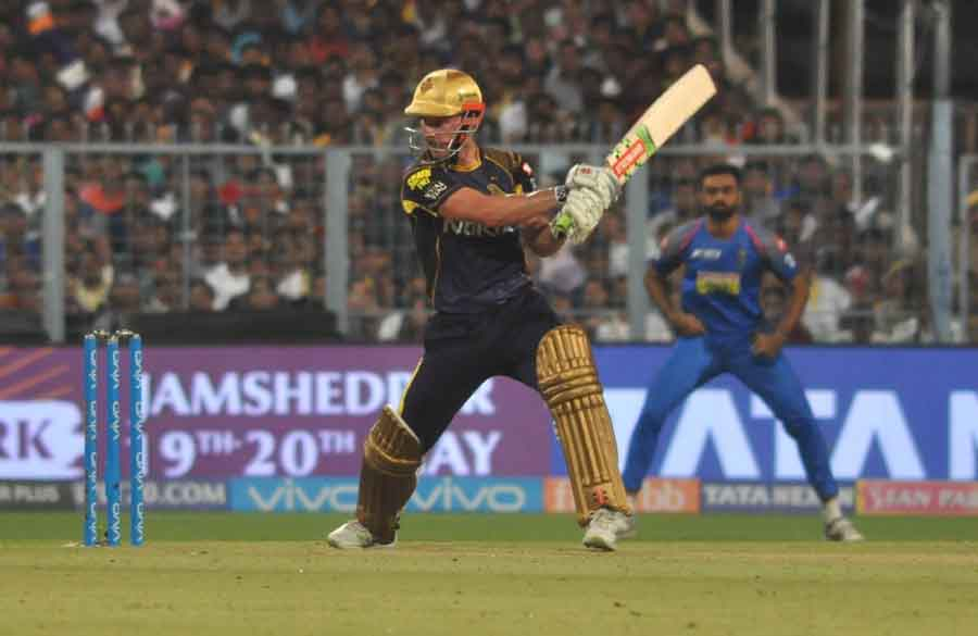 Chris Lynn Of Kolkata Knight Riders In Action During An IPL 2018 Match Images in Hindi