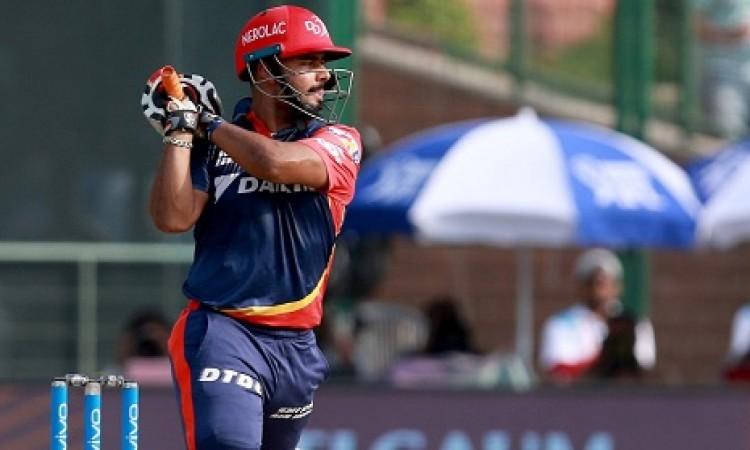 ऋषभ पंत की धमाकेदार पारी के बदौलत दिल्ली डेयरडेविल्स ने MI को दिया 175 रनों का टारगेट Images
