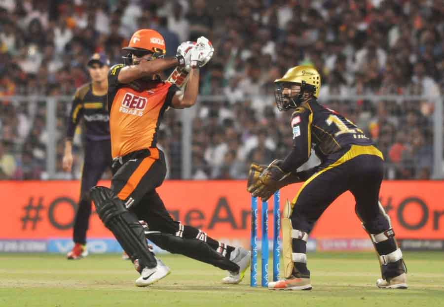 Deepak Hooda Of Sunrissers Hyderabad In Action During The Qualifier 2 Match Of IPL 2018 Images in Hindi