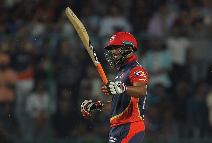 Delhi Daredevils Rishabh Pant Celebrates His Half Century During An IPL 2018 Images in Hindi