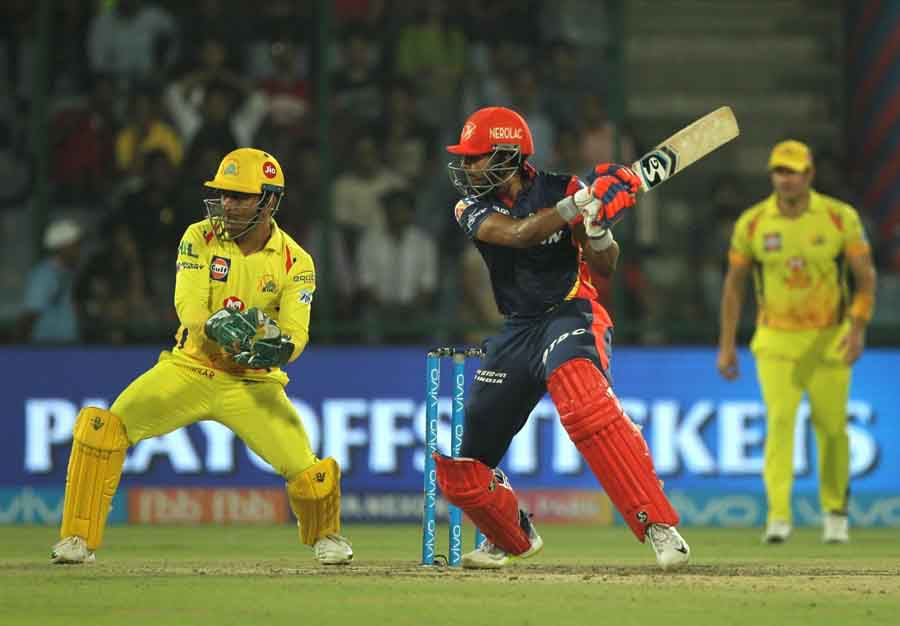 Delhi Daredevils Shreyas Iyer In Action During An IPL 2018 Match Between Chennai Super Kings And Del in Hindi
