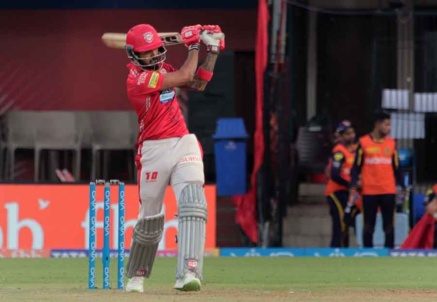 Kings XI Punjabs Lokesh Rahul In Action During An IPL 2018 Images in Hindi