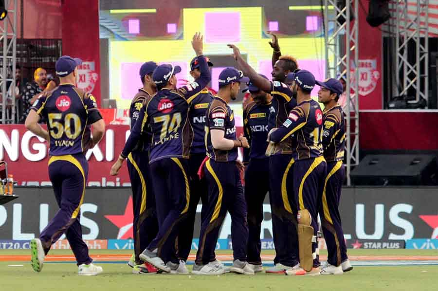 Kolkata Knight Riders Andre Russel Celebrates Fall Of Mayank Agrawals Wicket During An IPL 2018 Imag