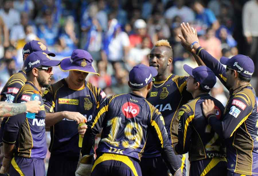 Kolkata Knight Riders Andre Russell Celebrates Fall Of Evin Lewis Wicket During An IPL 2018 Images in Hindi