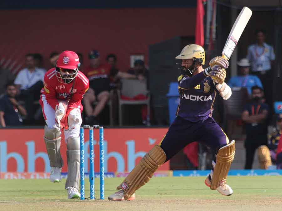 Kolkata Knight Riders Dinesh Karthik In Action During An IPL 20181 Images in Hindi