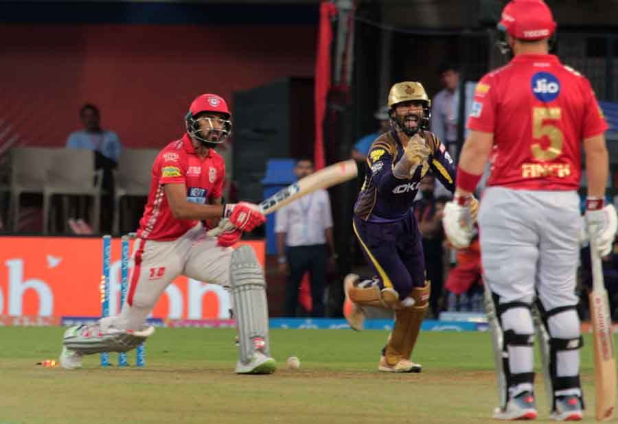 Kolkata Knight Riders Sunil Narine In Action During An IPL Match 2018 Images in Hindi
