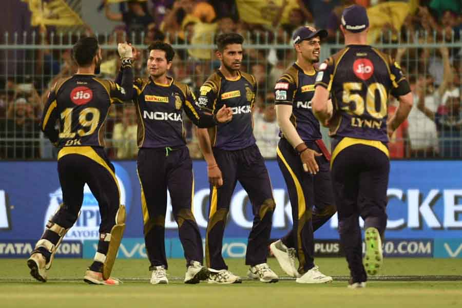 Kolkata Knight Riders Celebrate Fall Of A Wicket During An IPL 2018 Match Images in Hindi