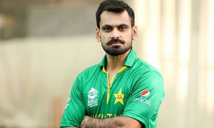 PCB issues show-cause notice to Hafeez for criticising ICC rules