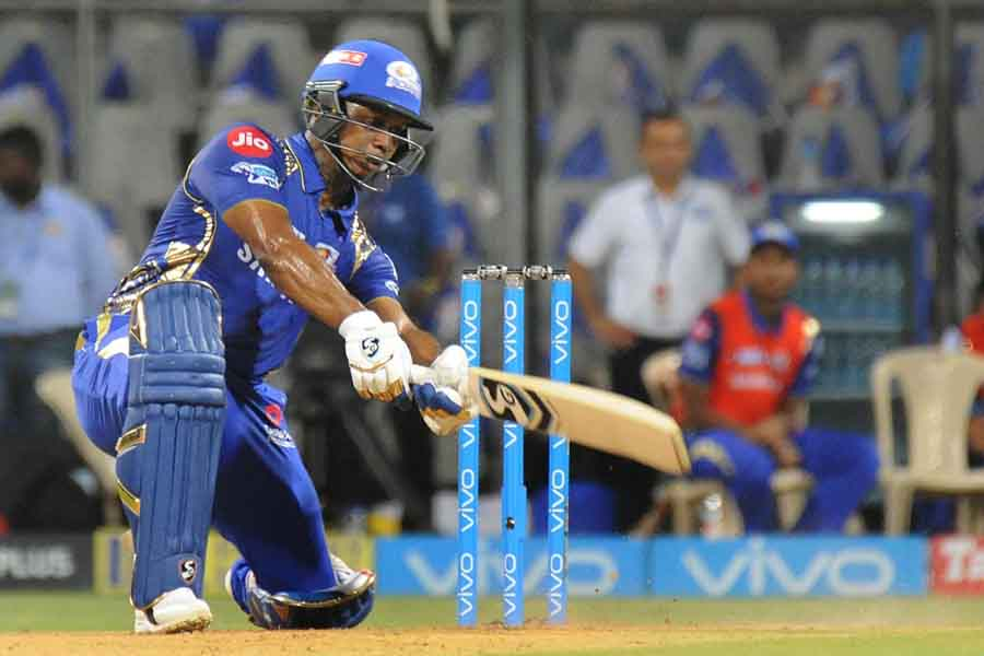Mumbai Indians Evin Lewis In Action During An IPL 2018 Game Images in Hindi