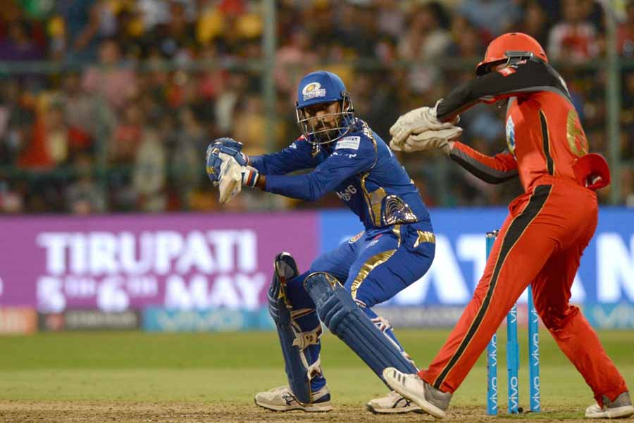 Mumbai Indians Krunal Pandya In Action During An IPL 2018 Images in Hindi