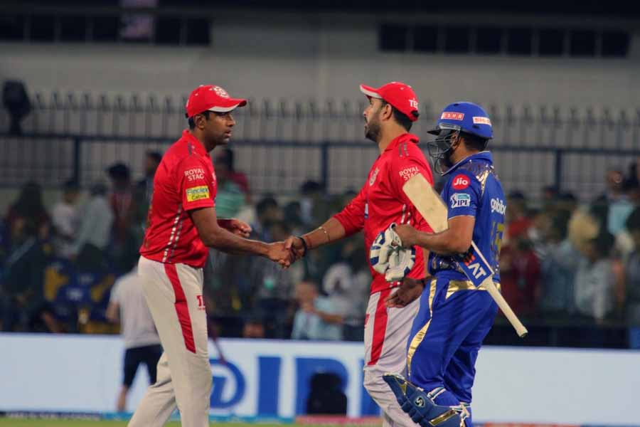 Mumbai Indians Rohit Sharma With Kings XI Punjabs Yuvraj Singh And Ravichandran Ashwin Images in Hindi