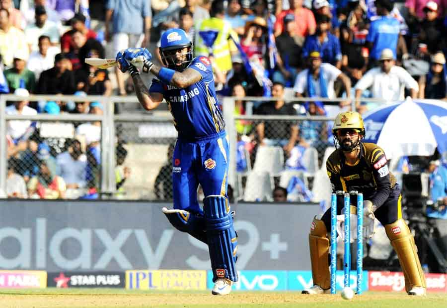 Mumbai Indians Suryakumar Yadav In Action During An IPL 2018 Images in Hindi
