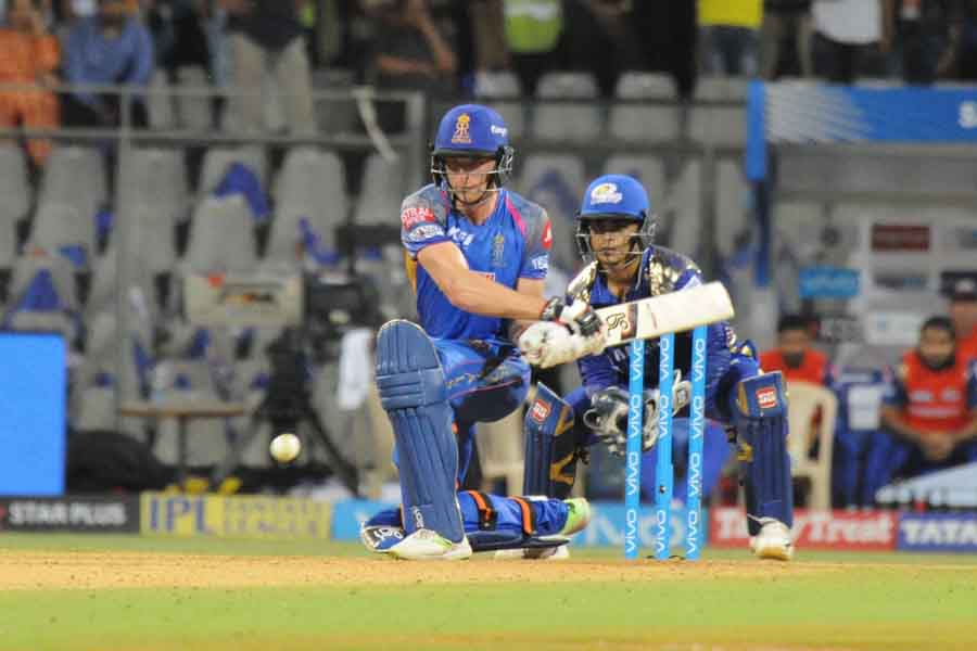 Rajasthan Royals Jos Buttler In Action During An IPL 2018 Match Images in Hindi