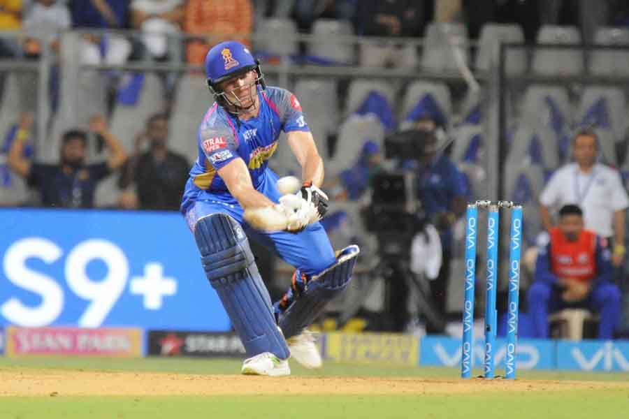 Rajasthan Royals Jos Buttler In Action During An IPL 20182 Images in Hindi