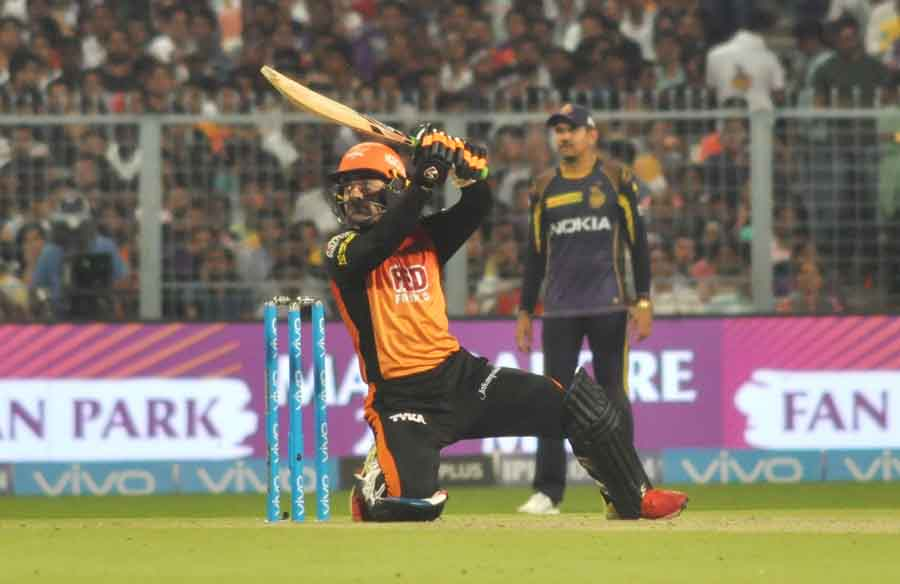 Rashid Khan Of Sunrisers Hyderabad In Action During The Qualifier 2 Match Of IPL 2018 Images in Hindi