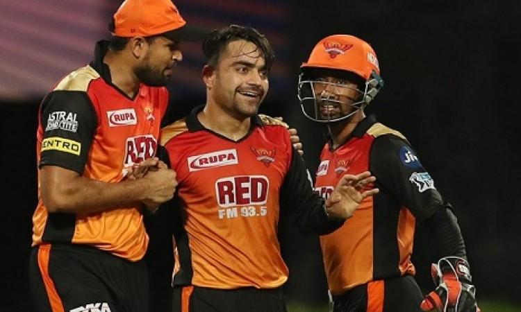 राशिद खान के कहर के आगे केकआर का हुआ सूफड़ा साफ, 13  रन के जीत के साथ हैदराबाद पहुंची फाइनल में Imag
