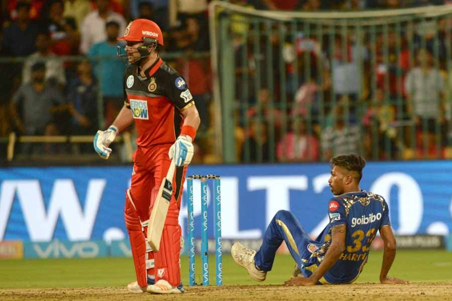 Royal Challengers Bangalores Brendon McCullum During An IPL 2018 Images in Hindi