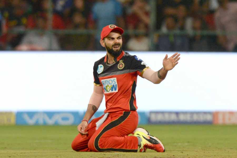 Royal Challengers Bangalores Virat Kohli During An IPL 2018 Match Images in Hindi