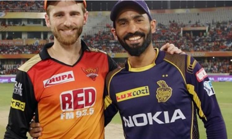 आईपीएल 2018 के दूसरे क्वालीफाई में कोलकाता ने टॉस जीतकर पहले फील्डिंग करने का फैसला किया Images