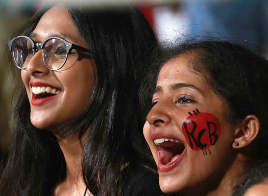 Spectators During An IPL 2018 Match Images in Hindi