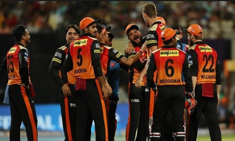 आईपीएल के बीच में आई ये बड़ी खबर, टेस्ट खेलने के लिए इस दिग्गज ने छोड़ दी यह टीम Images
