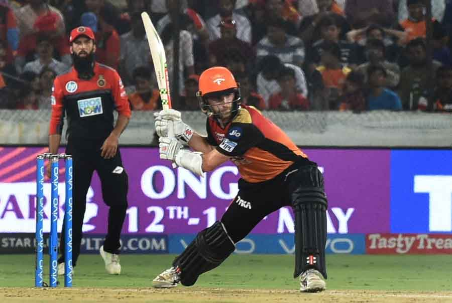 Sunrisers Hyderabads Kane Williamson In Action During An IPL 2018 Images in Hindi