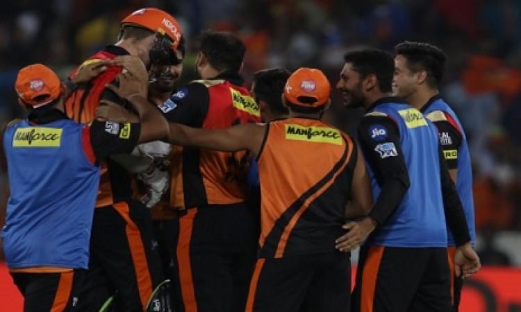 चेन्नई सुपरकिंग्स के खिलाफ मैच से बाहर हुआ हैदराबाद का यह बड़ा दिग्गज BREAKING Images