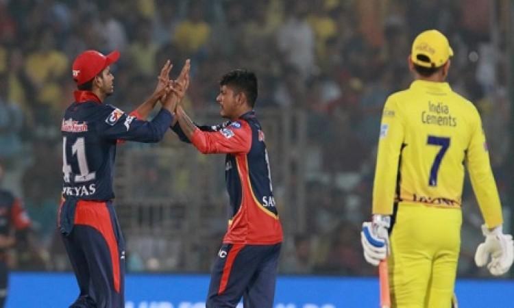 दिल्ली डेयरडेविल्स के गेंदबाजों ने ढ़ाया कहर,  धोनी की टीम CSK को मिली 34 रन हार Images
