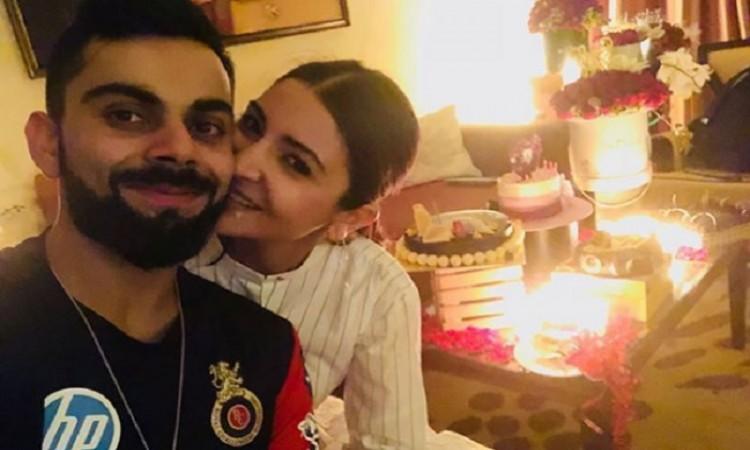 Anushka Sharma cheers for Virat from 'Zero' set