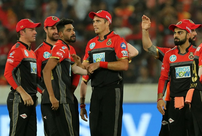 SRH choke to 146 after Williamson's 50