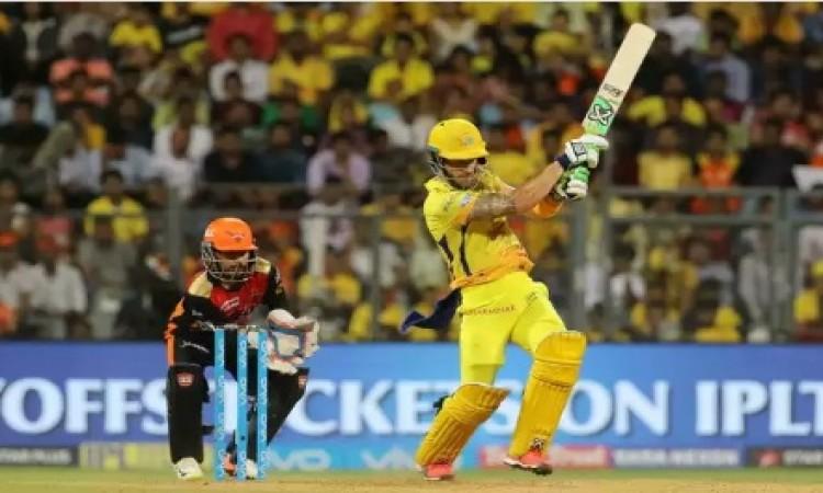 फाफ डु प्लेसी ने अकेले दम पर हैदराबाद को किया पस्त, 2 विकेट से सीएसके की जीत Images