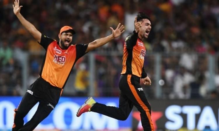 राशिद खान की धमाकेदार बल्लेबाजी को देखकर युसूफ पठान का ऐसा ऐसा बिल्कुल हैरान करने वाला बयान Images