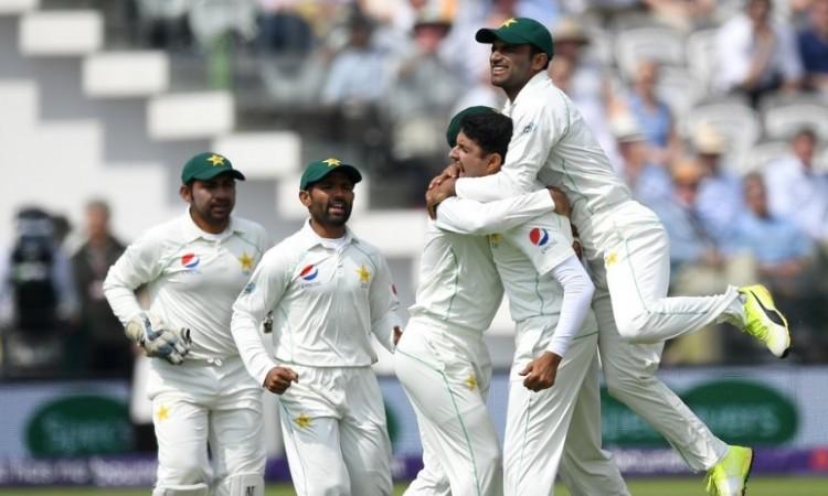 पाकिस्तान की गेंदबाजी का कमाल, इंग्लैंड को पहले टेस्ट मैच में मिली 9 विकेट से हार Images