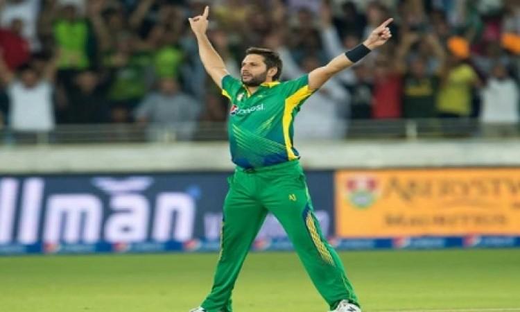 वनडे करियर में सबसे ज्यादा विकेट लेने वाले टॉप -5 गेंदबाज, सभी नाम एक से बढ़कर एक Images