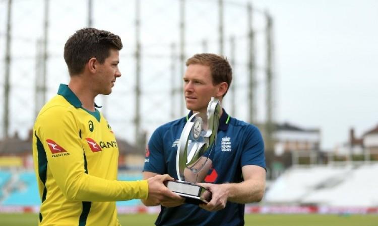 इंग्लैंड के खिलाफ पहले वनडे में ऑस्ट्रेलिया ने टॉस जीतकर पहले बल्लेबाजी करने का फैसला किया Images