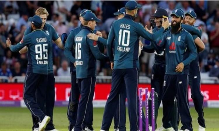 इंग्लैंड ने वर्ल्ड क्रिकेट में मचाया हंगामा, वनडे में रचा गया ऐतिहासिक कारनामा Images