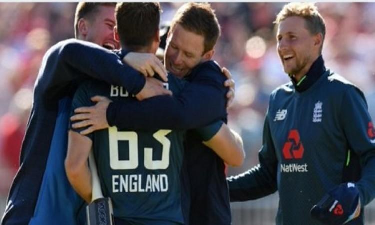 जोस बटलर की शतकीय पारी से रोमांचक मैच में जीता इंग्लैंड, ऑस्ट्रेलिया का 5- 0 से पूर्ण सफाया Images