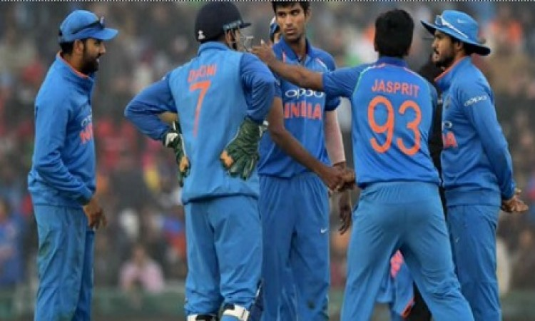 आय़रलैंड के खिलाफ पहले टी- 20 से पहले घायल हुआ यह भारतीय खिलाड़ी, फैन्स के लिए बुरी खबर Images