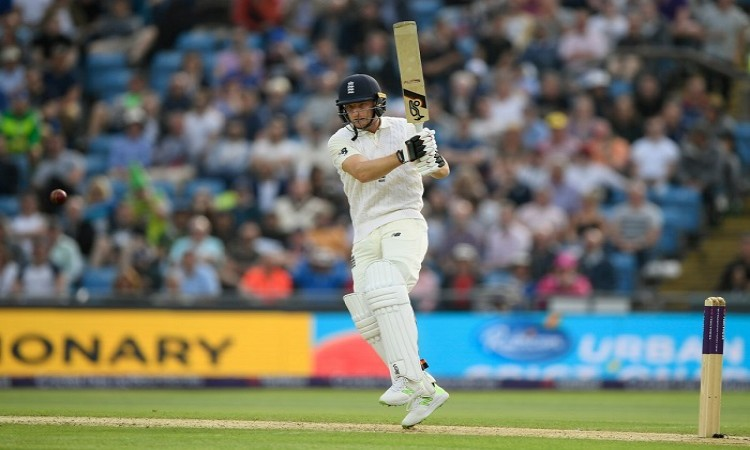 England lead by 128 runs vs pakistan in leeds test