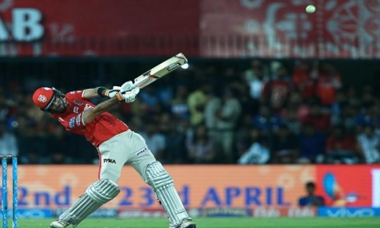 टी-20 इंटरनेशनल में सबसे ज्यादा स्ट्राइक रेट के साथ रन बनानें वाले 5 धमाकेदार बल्लेबाज, जानिए Images