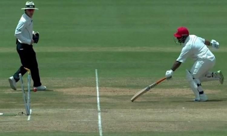 90 Kg के मोहम्मद शहजाद हुए रन आउट, क्रिकेट फैन्स ने उड़ाया मजाक Images