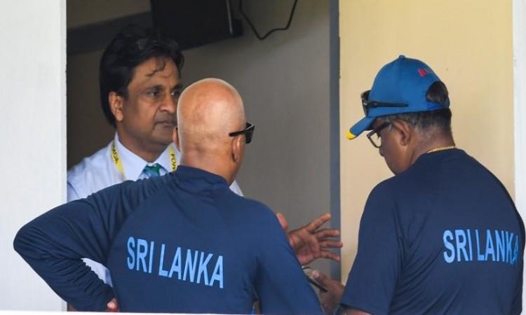 Sri Lanka Coach, Captain