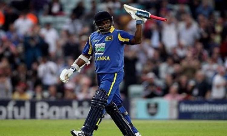 वनडे में सबसे ज्यादा चौके लगाने वाले टॉप-5 बल्लेबाज, 3 नाम चौंकाने वाले Images
