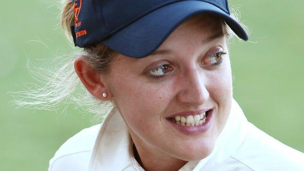 Sarah Taylor (England) Images in Hindi