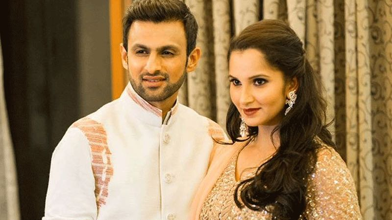 Shoaib Malik With His Wife Sania Mirza Images in Hindi