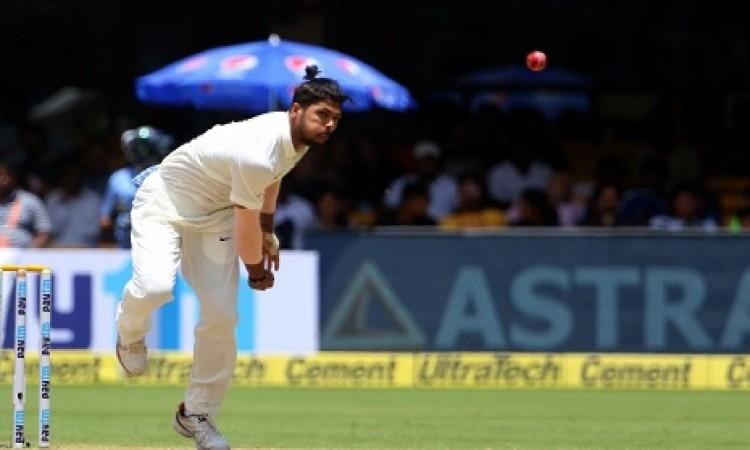 ऐतिहासिक टेस्ट मैच में उमेश यादव ने रचा इतिहास, जहीर खान के रिकॉर्ड की कर ली बराबरी Images