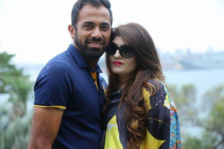 Wahab Riaz With His Wife Zainab Chudary Images in Hindi