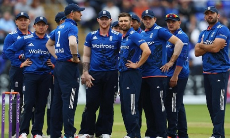 भारत के टी- 20 सीरीज में हराने के लिए इंग्लैंड की टीम ने चली चाल, इसे बनाया नया कोच Images
